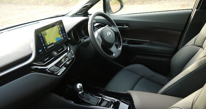 Toyota C-HR Hybrid front interior