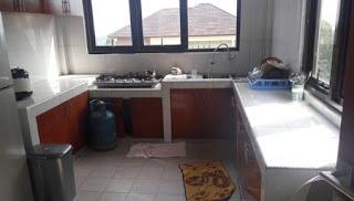Dapur Dan Peralatan Masak Di Villa Valencia