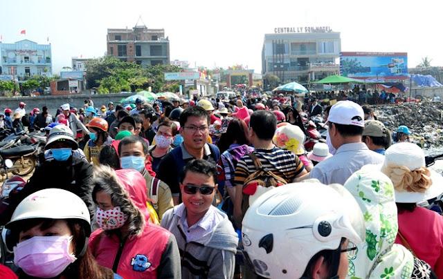 Du khách đến đảo Lý Sơn tăng đột biến, nhiều hộ dân đua nhau xây nhà nghỉ, khách sạn kinh doanh du lịch