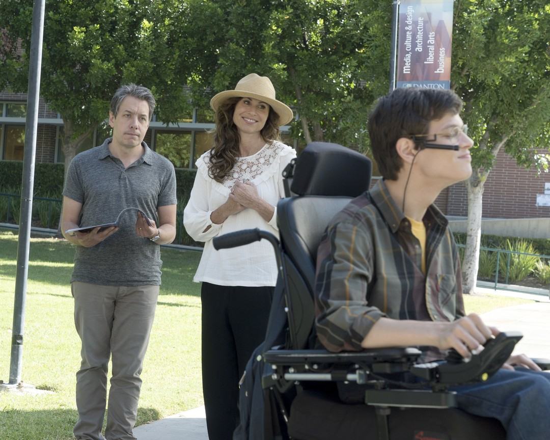 Speechless - Season 2 Episode 08: B-I-- BIKINI U-N-- UNIVERSITY