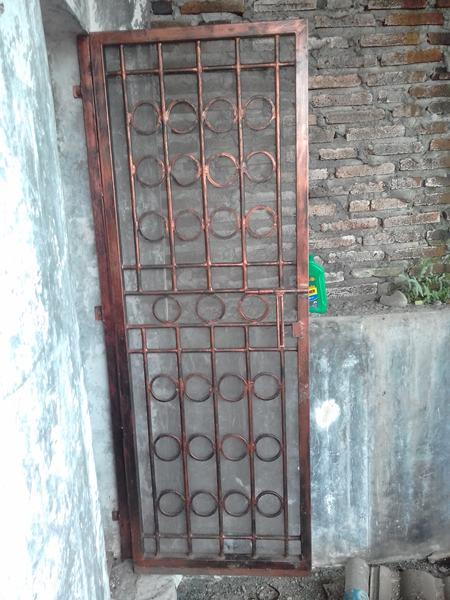 Pintu-Besi-Beton