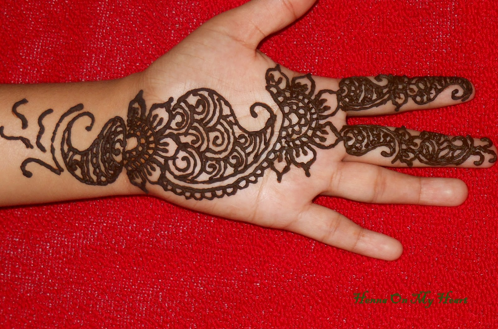 Simple Heart Henna Designs: Henna On My Heart: Henna Simple Design