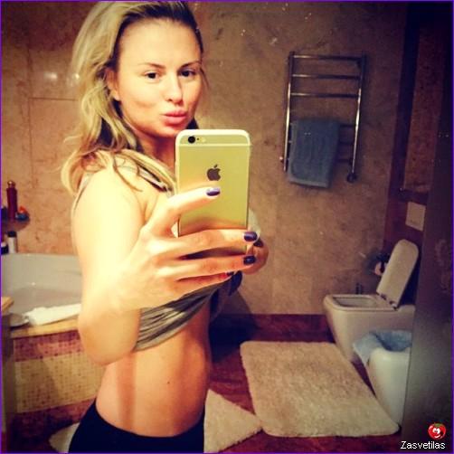 Анна Семенович ню селфи