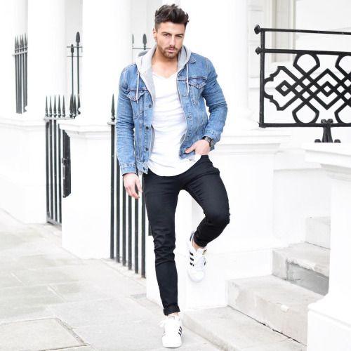 Look masculino com jaqueta jeans azul