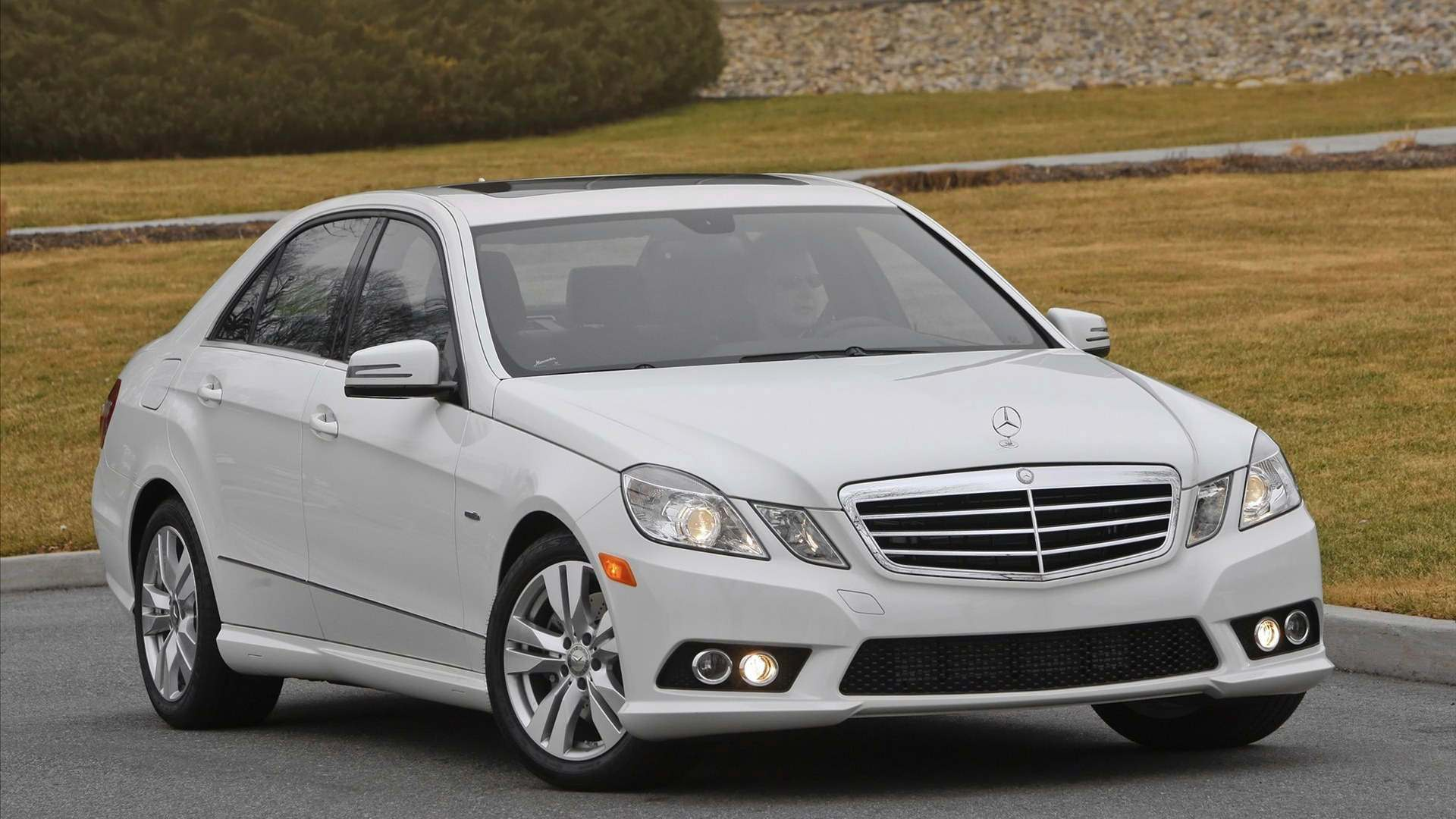 Mercedes benz cars hd wallpapers wallpaper pictures gallery for Mercedes benz sedans