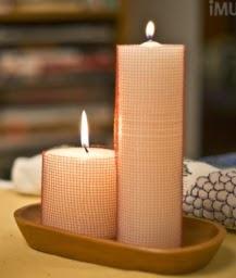 http://manualidadesreciclables.com/15146/como-hacer-adornos-con-velas