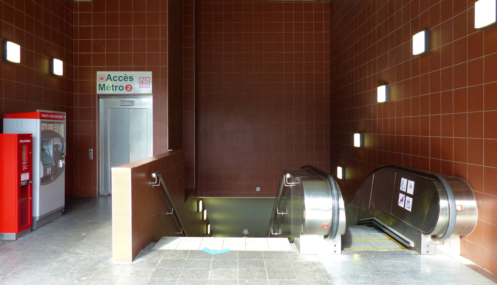 Station Métro Tourcoing Centre - Ascenseur d'accès rue Fidèle Lehoucq