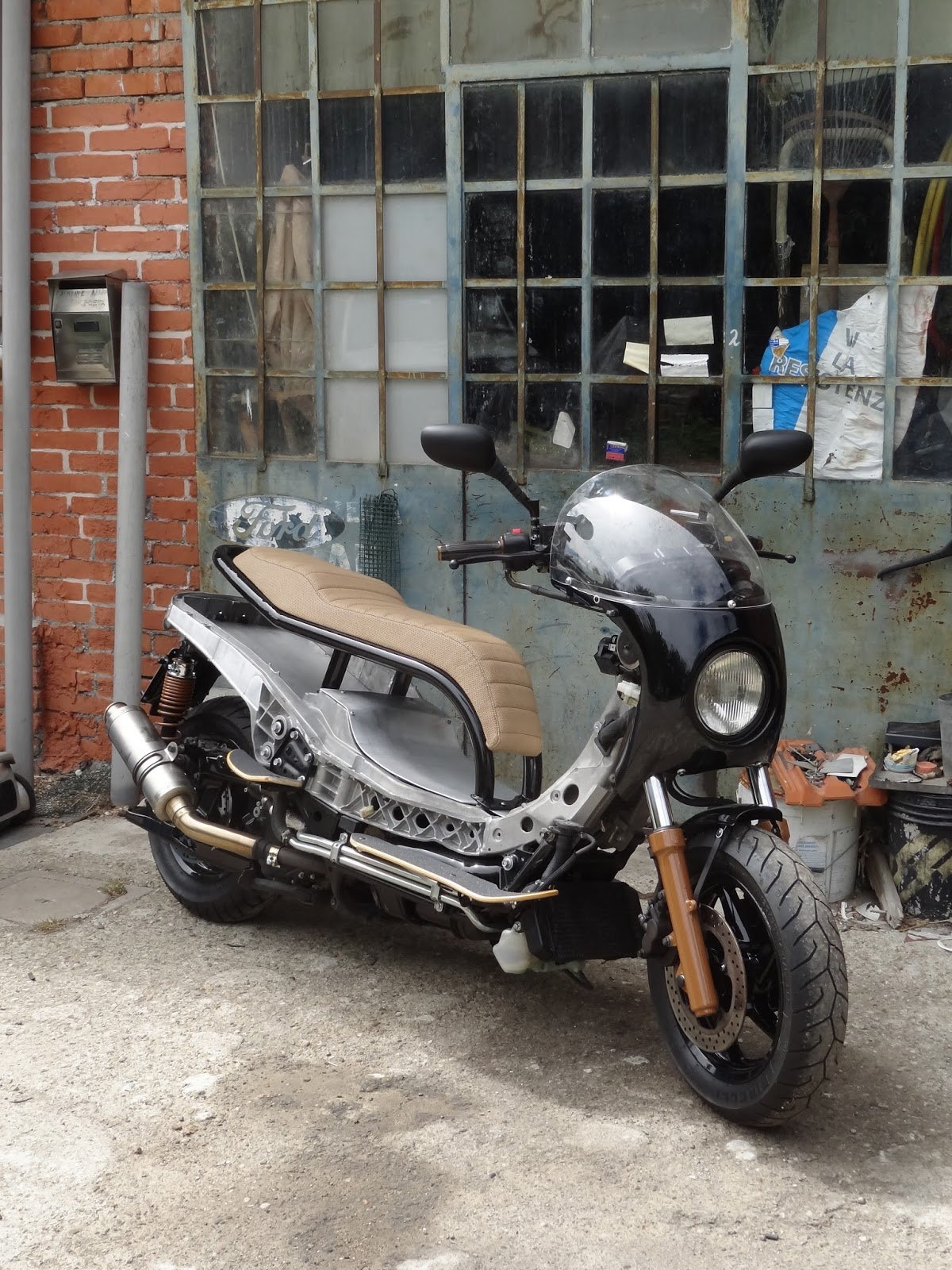 b r moto art  yamaha majesty 400 br055