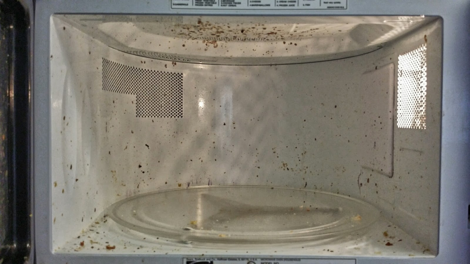 how to clean your microwave with lemon and vinegar