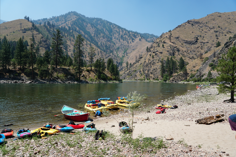 The Salmon River - A Boaters Paradise Claire O & Jez take 22