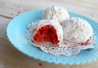 Mexican wedding cookies, Valentines Day baking, desserts, red