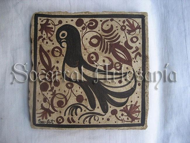 Este socarrat medieval nos muestra un palomo en actitud tranquila y orgullosa. Socarrat Artesanía