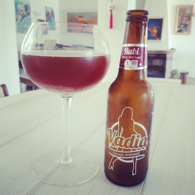 Portugal Craft Beer Review: Rubi Lager from Vadia bottle