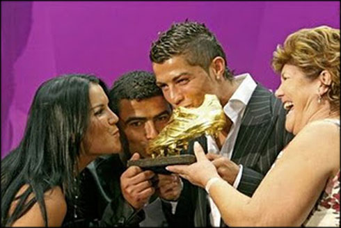 All Football Players: Cristiano Ronaldo With His Family