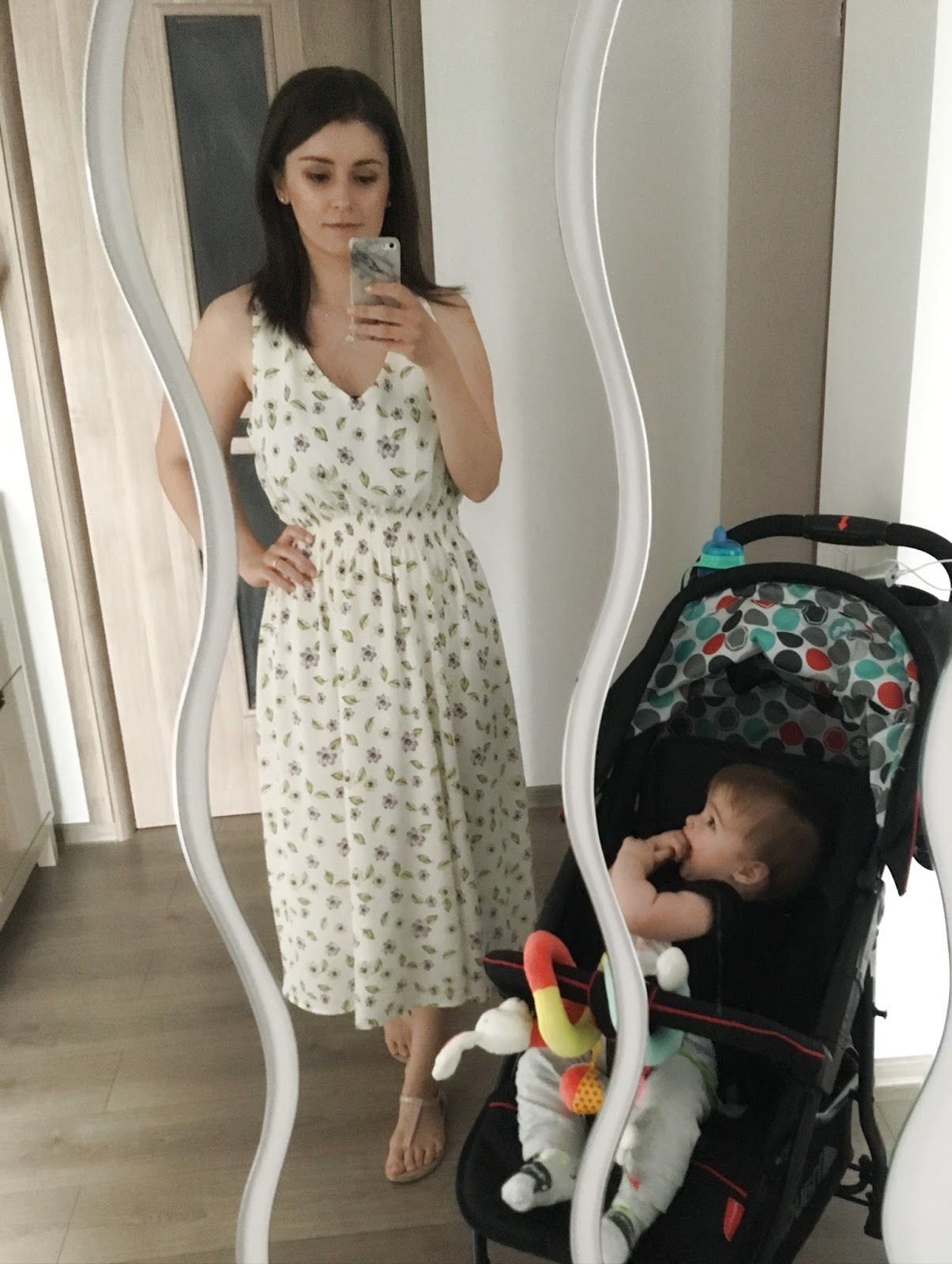 floral summer dress style for moms