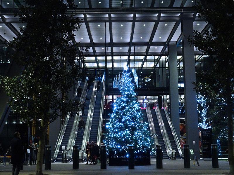 London_Gorgeous_Christmas_Lights_Photographs_Leadenhall