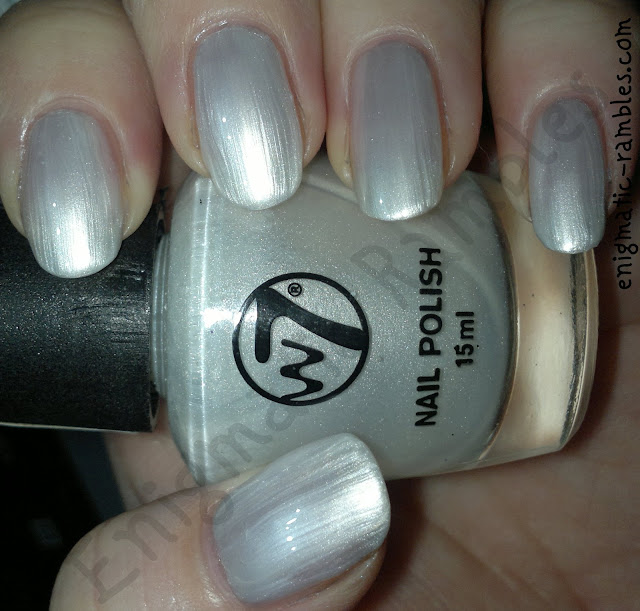 w7-polish-varnish-swatch-polar-bare