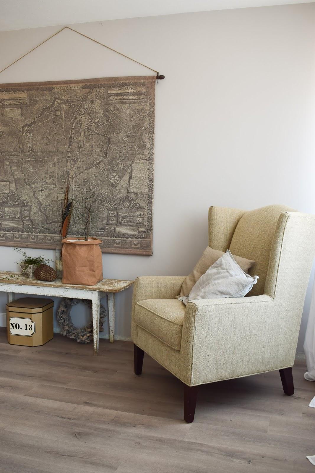 Dekoidee Wandgestaltung Übertopf aus Papier von WENKO natürliche Deko im Landhausstil Deko Dekoration gemütlich Sessel wohlfühlen im Schlafzimmer