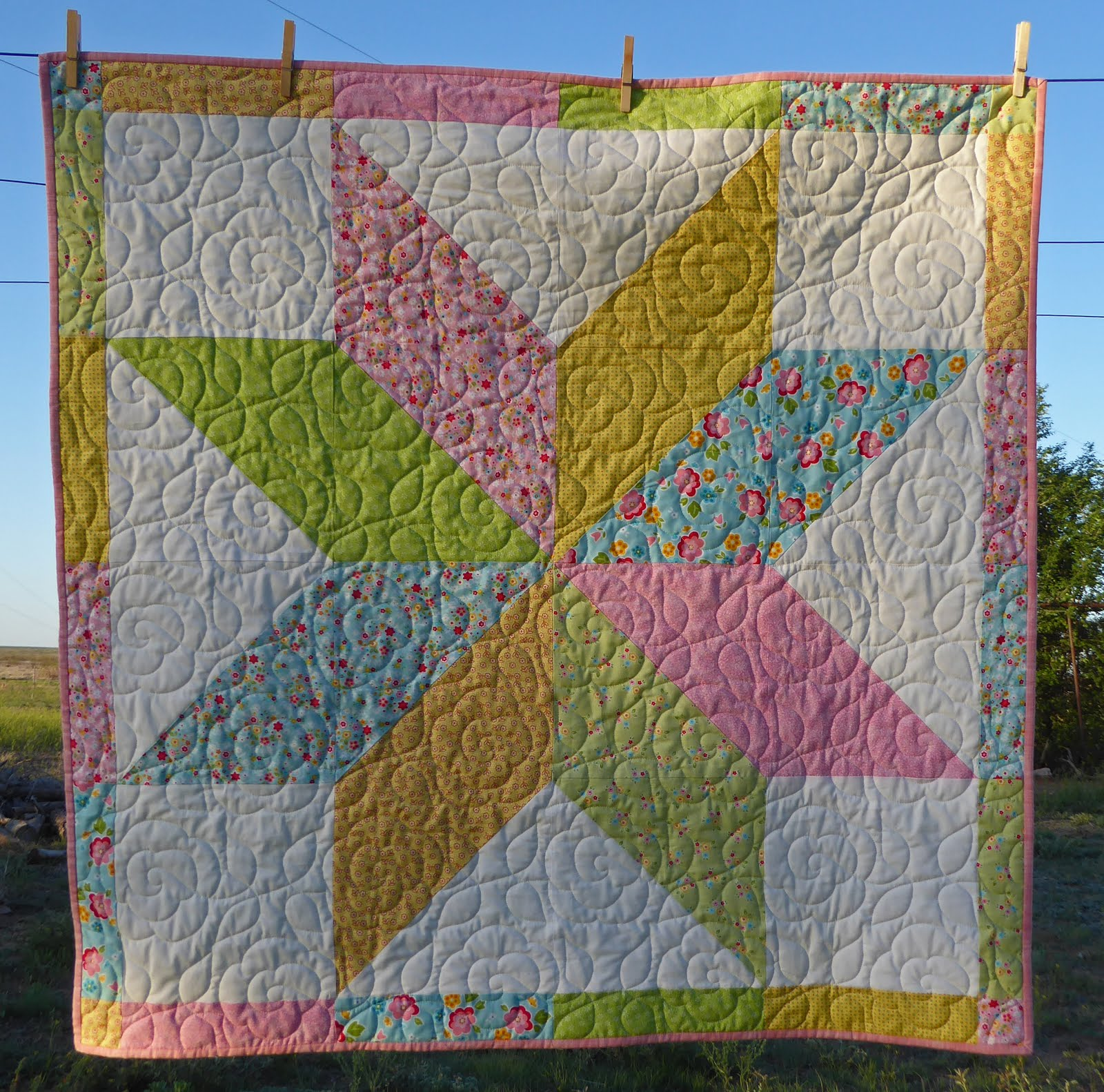 Quilting Pattern For Lone Star : Lovin Life At The End Of The Dirt Road: Lone Star Baby Quilt Finished