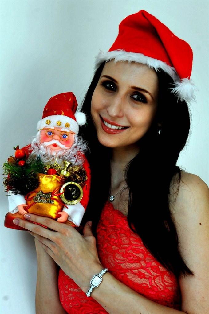 Claudia Ciesla cute santa pics