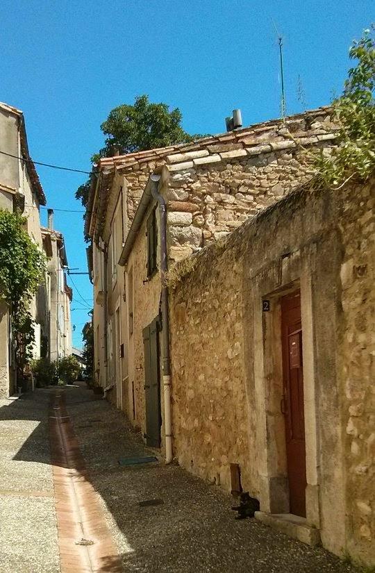 Montolieu France village du livre