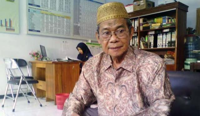 Ketua Majelis Ulama Indonesia (MUI) Lumajang, KH. Drs. MuflihFarid