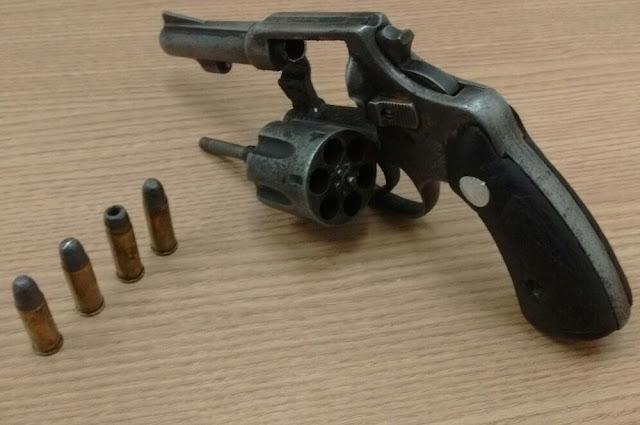 Jovem de Alta Floresta do Oeste é preso andando com arma em Rolim