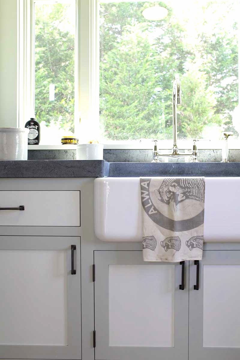 tale of two toned kitchen 868