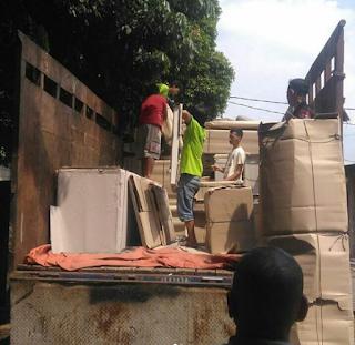 Jasa angkutan truk di Malang fuso
