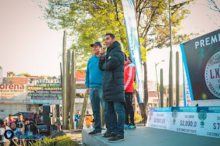 Juan Luis Barrios y Manuel Negrete en la Premiación de la Carrera de la Candelaria 2019 (Fotos)