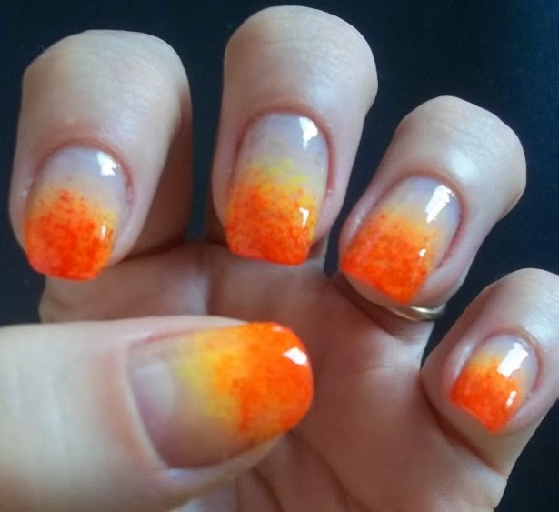 decoracion hermosas par uñas con esponjas