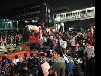 Massa Ahoker Diteriaki Warga: 'Woy udah Malam, Bubar bubar' 'Bobo'