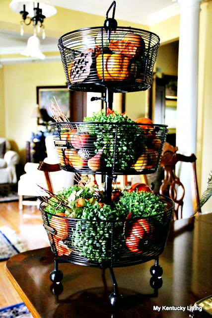 tiered-tray-autumn-decorating-fall-pumpkin-wire-kitchen-tips-styling-athomewithjemma