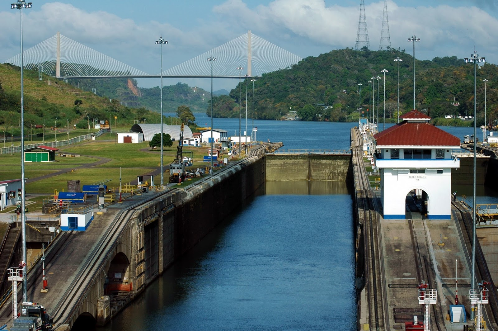 "Canal De Panama: Focusing On Travel : You'll Really Dig ""The Big Ditch"