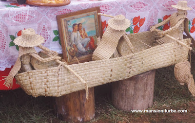 Plant-Fiber Crafts around Lake Patzcuaro