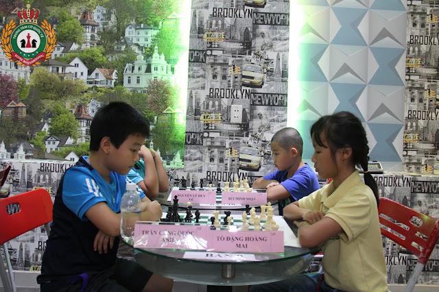 Dạy cờ vua cho thiếu nhi