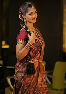 Actress Swathishta Krishnan Pictureshoot Pictures in  saree (5).jpg