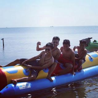 Bananboat Pantai Bandengan Jepara