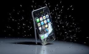 آبل-تطور-تقنية-خاصة-لمنع-الأيفون-من-السقوط-على-الأرض