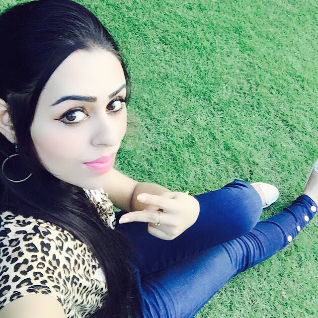Jenny Johal Beautiful Sefie wallpapers