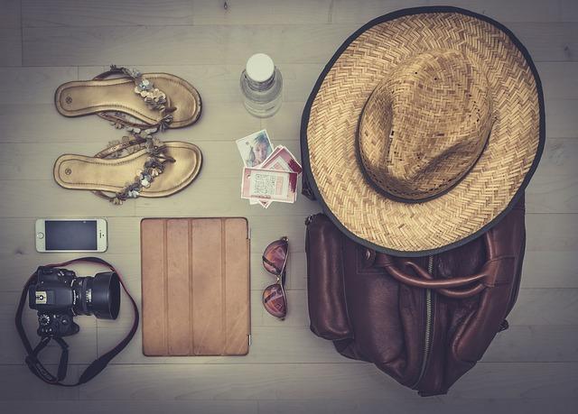 peralatan travel