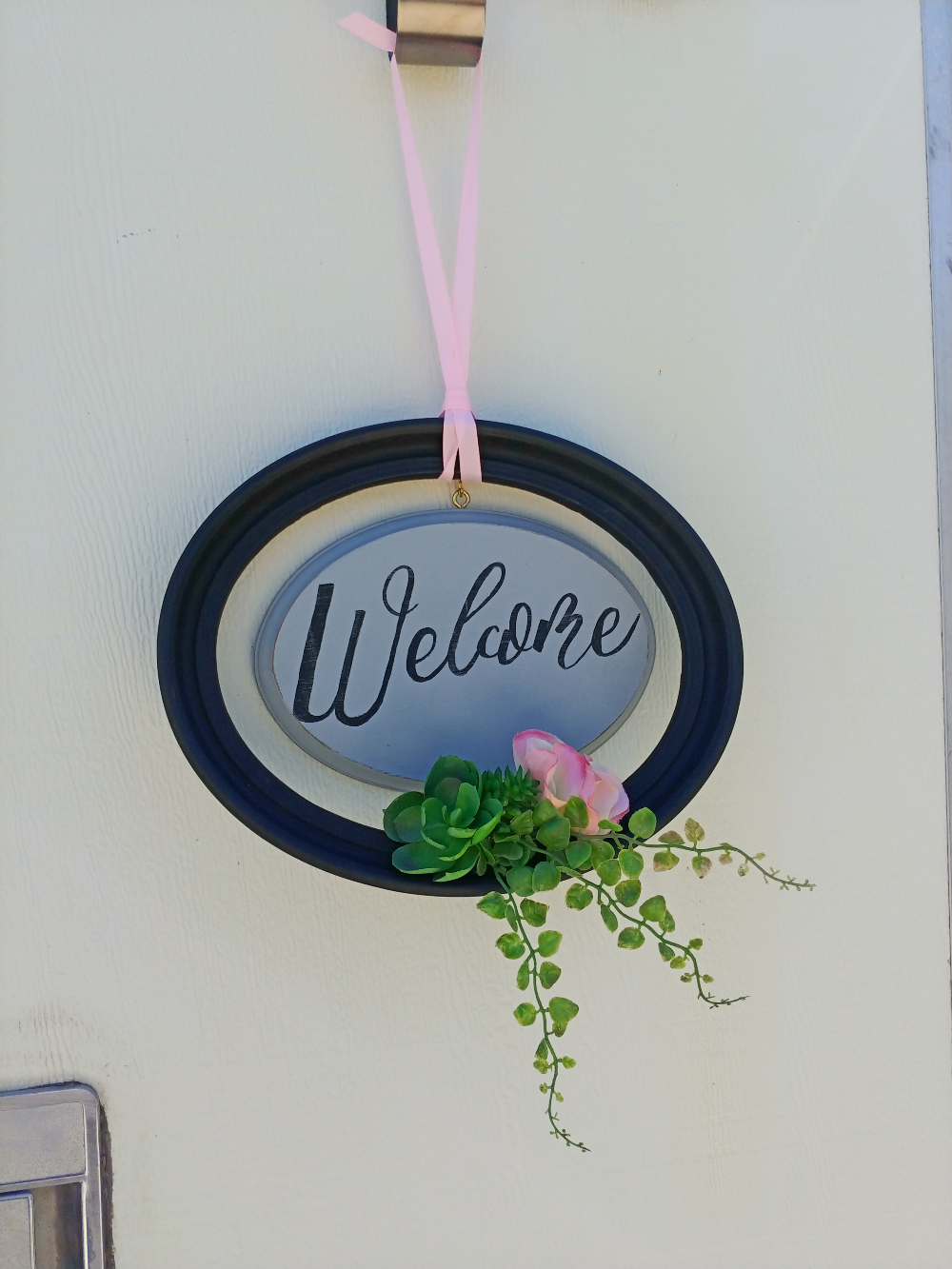 upcycled frame & wood plaque welcome sign
