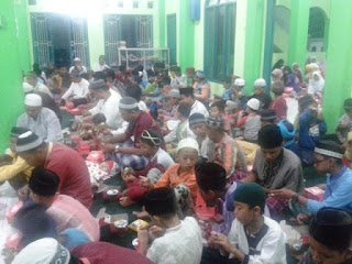 Kegiatan Buka Bersama Masjid Ar Rahman Bekasi