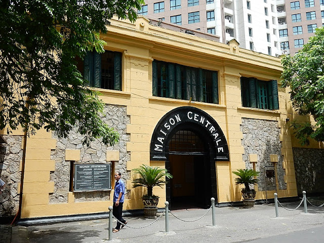 Australian newspaper gives tips on exploring Hoa Lo Prison