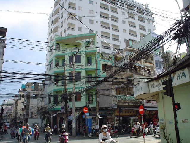 Découverte du Vietnam. Câbles à Saigon, Hô -Chi-Minh -Ville, Vietnam