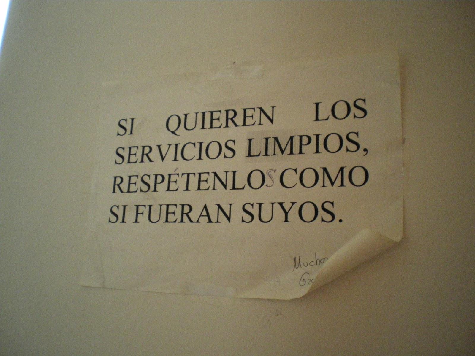 Imagen De Baño Limpio:Los carteles de los baños también nos ayudan a aprender español