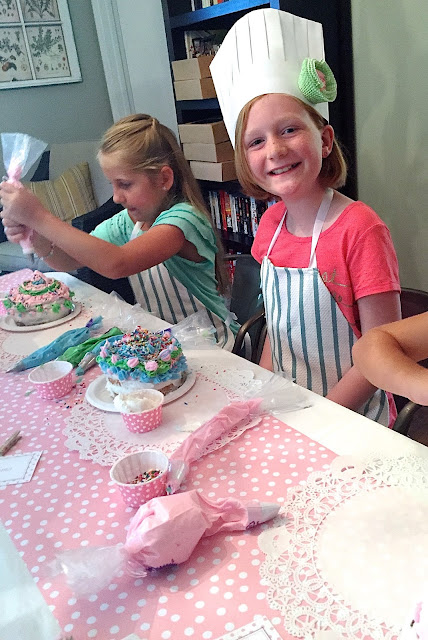 kids cake decorating party