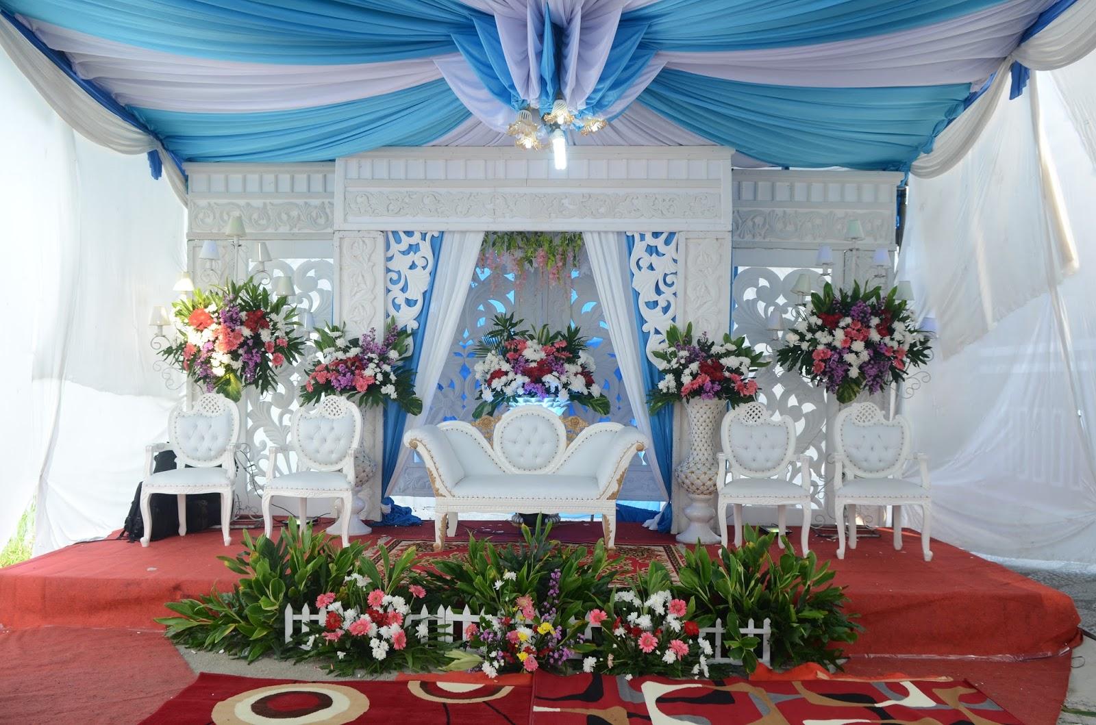 dekorasi dan busana nasional primera
