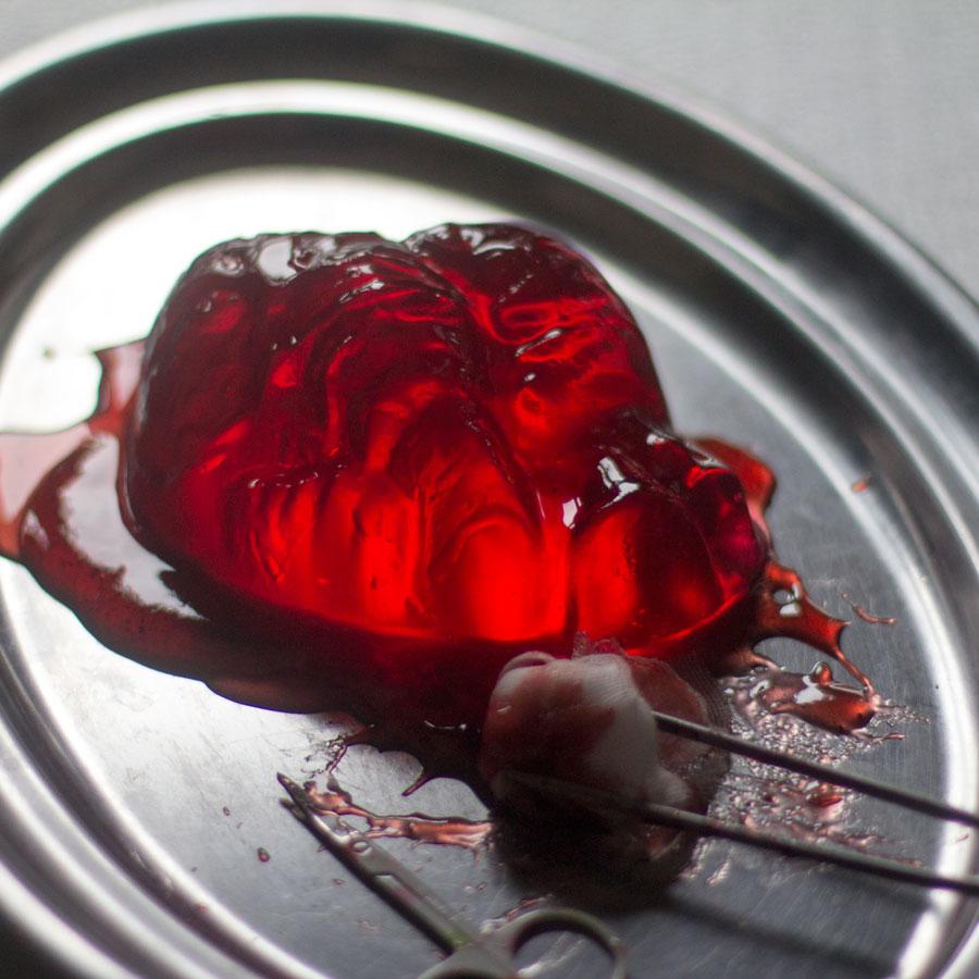 como preparar un corazon de gelatina para halloween