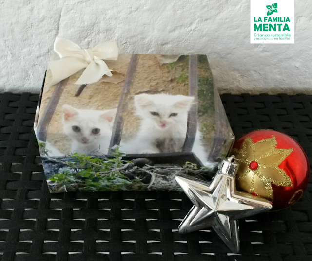 Una navidad (un poco más) sostenible III: Ideas para envolver regalos. hojas de calendario